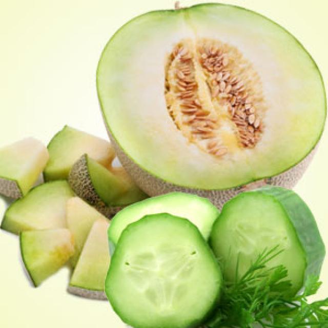 Olejek zapachowy - Ogórek i melon - do produkcji świec, mydła, kremów, balsamów, toników i innych kosmetyków