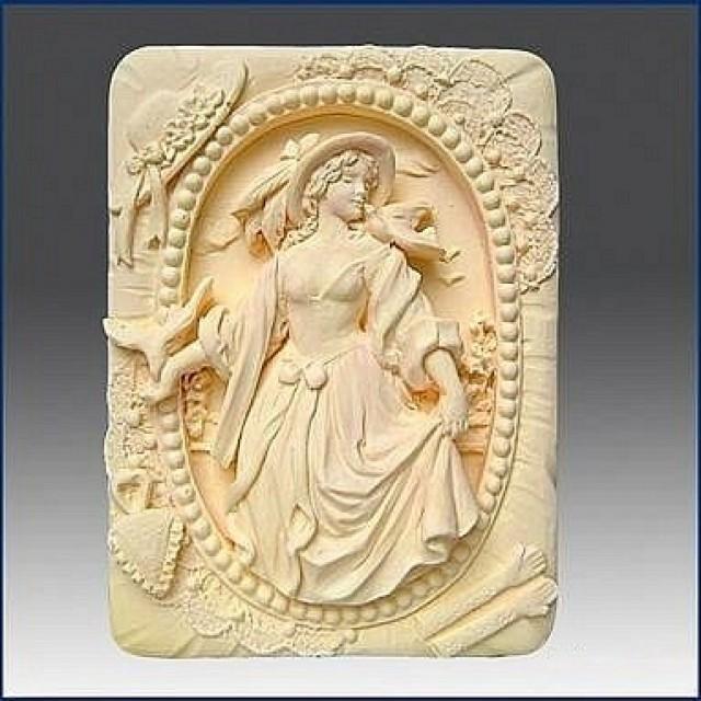 Forma silikonowa - Dama - do wyrobu mydła, świec i odlewów