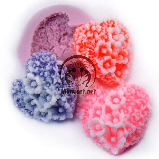 Forma silikonowa - Kwiatowe serce - do wyrobu mydła, świec i odlewów