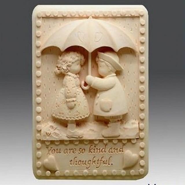 Forma silikonowa - Dzieci pod parasolem - do wyrobu mydła, świec i odlewów