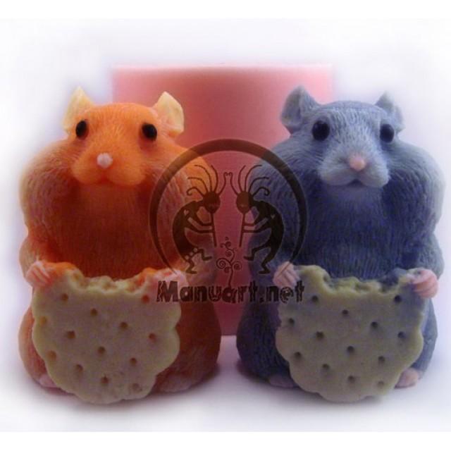Forma silikonowa - Chomik z herbatnikiem 3D - do wyrobu mydła, świec i odlewów
