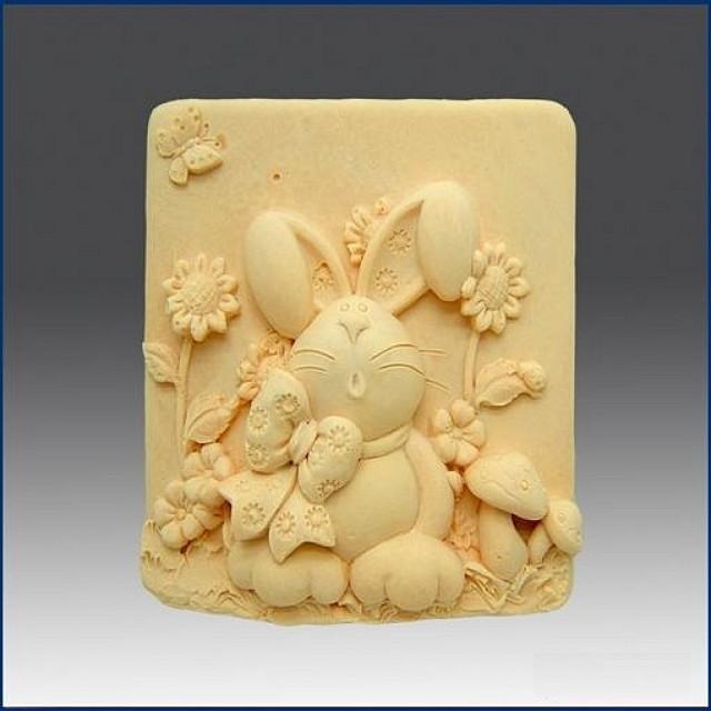 Forma silikonowa - Zając w słonecznikach - do wyrobu mydła, świec i odlewów