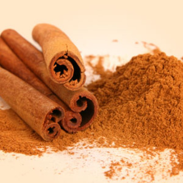 Olejek zapachowy - Laski cynamonu - do produkcji świec, mydła, kremów, balsamów, toników i innych kosmetyków