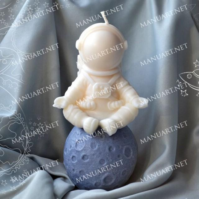 Forma silikonowa - Astronaut 3D - do wyrobu mydła, świec i odlewów